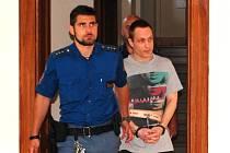 Soud Patrika Přívaru nově potrestal i za zločin týrání osoby žijící ve společném obydlí.