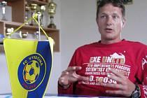 Trenér Luboš Zákostelský má v devětatřiceti letech k hráčům daleko blíž, než jeho předchůdce Milan Bokša.