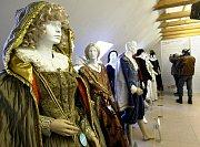 Nejděsivější kostýmy jsou šaty Rumburaka a čarodějnice. Výstava potrvá až do 29. března.
