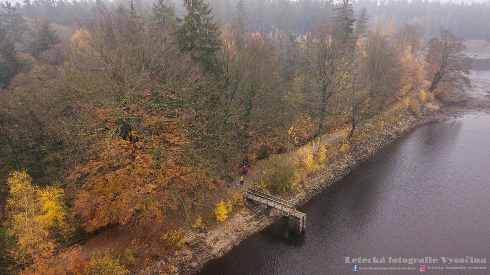 Velký Pařezitý rybník v neděli 4. listopadu.