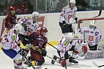 Hokejisté Dukly porazili Třebíč.