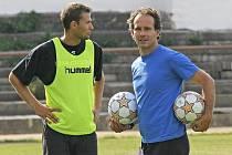 Jihlavský kanonýr Petr Faldyna (vlevo) už si s koučem FC Vysočina Karolem Markem zřejmě notovat nebude. O nejlepšího střelce druhé ligy má velký zájem konkurenční Slovácko.