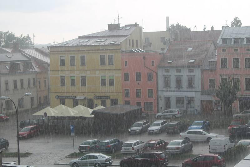 Bouřka 14. srpna 2020 odpoledne v Jihlavě.