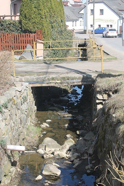 Koryto Puklického potoka se letos dočká opravy.