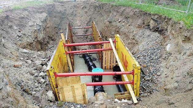 Betonové potrubí bylo netěsné, rekonstrukce zamezí ztrátám.