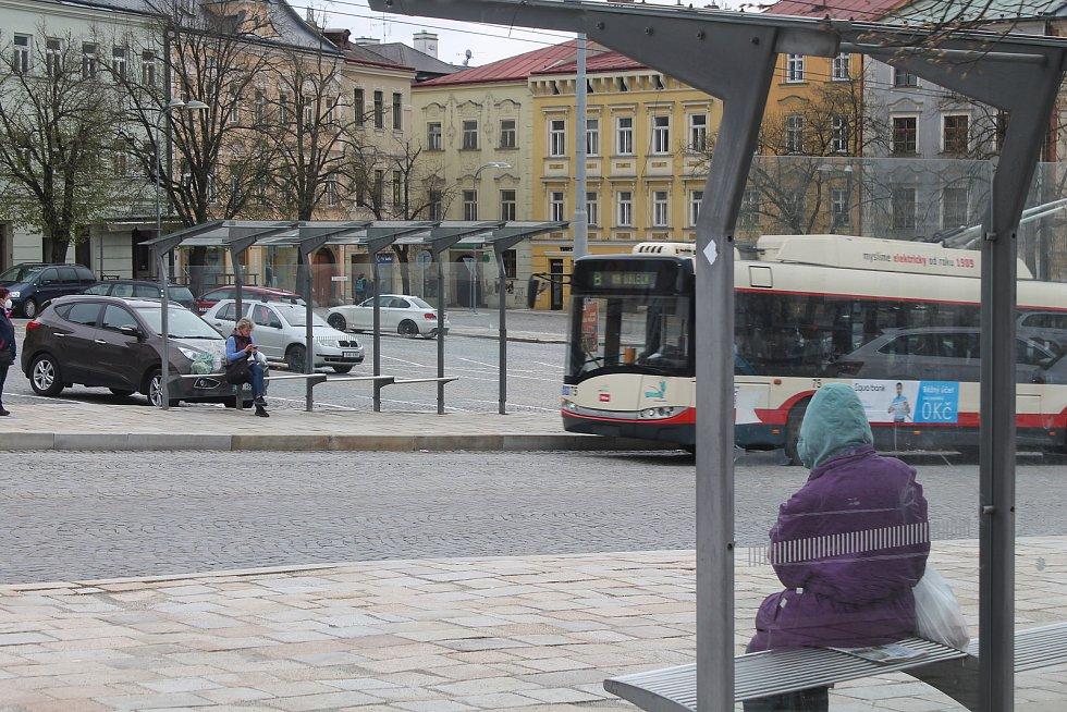 Na Masarykově náměstí v Jihlavě je zastávek hned několik. Jedná se o významný přestupní uzel.
