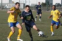 Jihlavský kapitán Petr Faldyna (vlevo) se v Itálii zatím neprosadil.