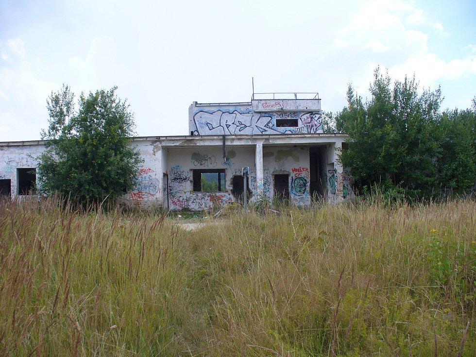 Bývalá vojenská střelnice mezi Vílancem a Popicemi