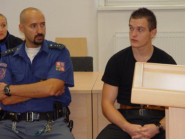 Ladislavu Norkovi (na snímku) hrozí, že v jednadvaceti letech skončí ve vězení na dlouhých deset a půl roku. Kdyby se přiznal, mohl odejít s mnohem mírnějším trestem. Této možnosti však nevyužil.