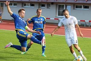 Jihlavská záloha (v modrém) si zahraje MSF i v příští sezoně.