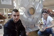 Studenti jihlavské stavebky byli v  soutěži mladých klempířů úspěšní.
