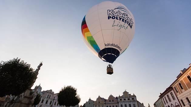 Horkovzdušné balony v Telči. Ilustrační foto.