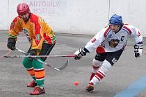 Tři body přivezly jihlavští hráči (v oranžovém) ze Vsetína, kde jim k první výhře stačil jen jeden gól.