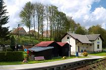 Vlaková stanice v Hodicích je pro mnoho lidí atrakcí, protože se vedle staniční budovy nachází i neoficiální muzeum starých drážních předmětů.