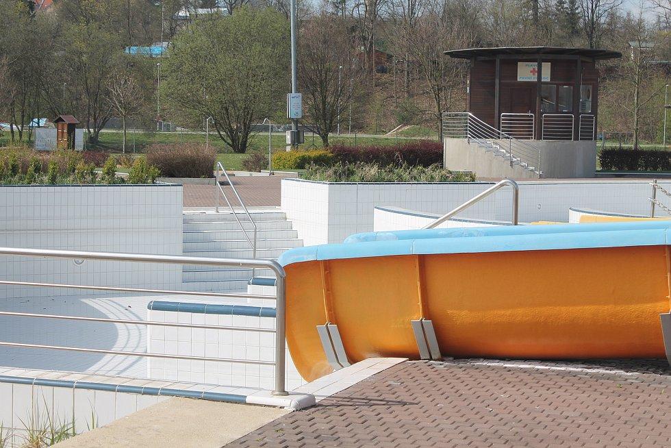 Největší aquapark na Vysočině od začátku letošního roku ještě neotevřel. Je to kvůli koronaviru.