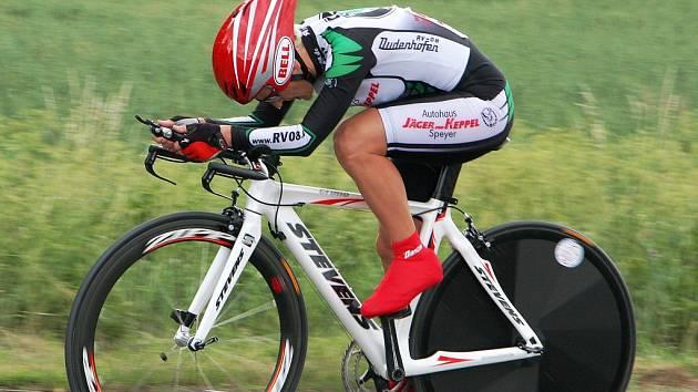 Žďár nad Sázavou patří v těchto dnech evropským cyklistickým veteránům. Úvodní disciplínou Masters 2007 byla časovka.