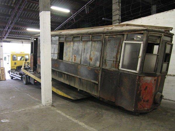 Původní jihlavská tramvaj čeká na renovaci. Do výběrového řízení se zatím nikdo nepřihlásil.
