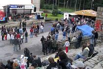 Přijďte na koncert, pomůžete 2010. Tak se jmenovala první akce, která se konala revitalizovaném území u letního kina v lesopaku Heulos.