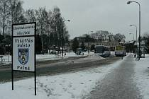 Polenské autobusové nádraží leží jen pár kroků od Husova náměstí.