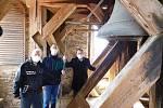 Zvony Jakub a Marie se rozezněly, aby uctily oběti pandemie