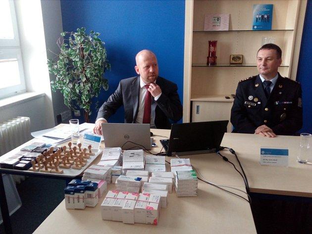 Kriminalista Pavel Kubiš informuje o rozsáhlém případu drogové kriminality na Vysočině