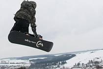 V Lukách funguje snowboardový park