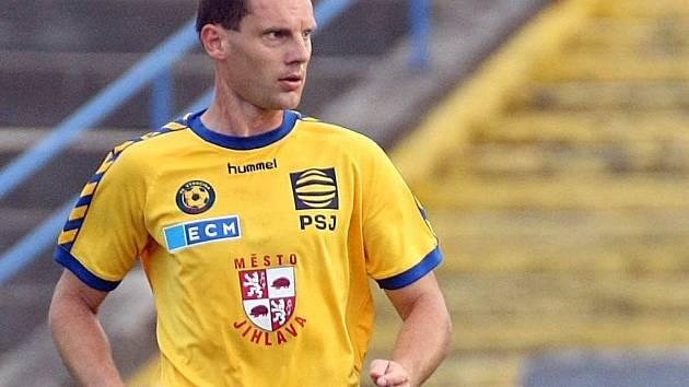 Už jedenáct sezon působí stoper Michal Kadlec v dresu FC Vysočina. Přidá i dvanáctou?