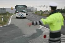 Uplynulý víkend se policisté zaměřili zejména na zájezdové autobusy. Prázdninové kontroly jsou součástí evropské dopravně-bezpečnostní akce.