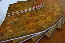 Historie. Nová kniha mapuje historii radnice od roku 1426 sž do současnosti.