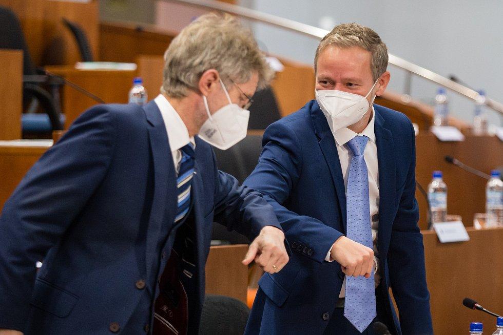 Miloš Vystrčil a Vítězslav Schrek na ustavujícím zasedání zastupitelstva Kraje Vysočina.