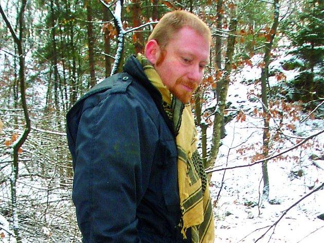 Viktor Štingl byl osmnáct let profesionálním vojákem. Působil u protivzdušné obrany a u vojenské policie.