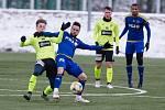 Mráz a sníh, s tím mají jihlavští fotbalisté dostatek zkušeností. Během letošní zimy ale před nimi bude zřejmě stát i řada jiných netradičních výzev.