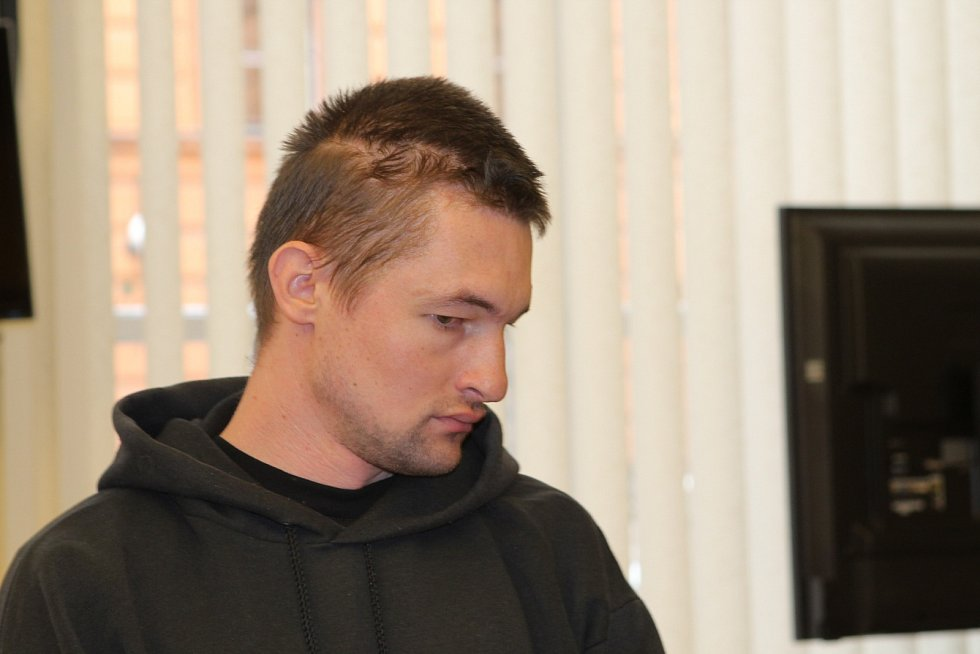 JOSEF DUBSKÝ mladší. Syn Josefa Dubského staršího, který plánoval únosy dívek