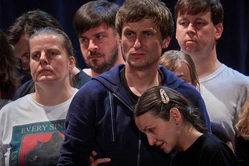 Hru Martinů herci zkouší už od minulé sezóny, kvůli koronaviru byla přeložena na tu nadcházející.