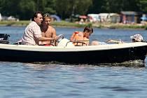 Na Velkém Dářku je možnost vyjížďky na lodi.