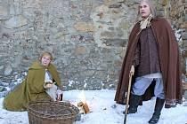 Televizní štáb natáčel díl Ohnivý Švéd z Jihlavy z cyklu Záhad Toma Wizarda na jihlavském hradebním parkánu loni v prosinci.