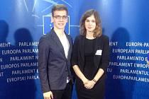 Jihlavští gymnazisté Jan Palán a Kristýna Dobrianská navštívili v Bruselu také prostory Evropského parlamentu.