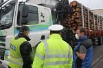 Policisté na Vysočině se zaměřily na kontroly kamionů s dřevem.