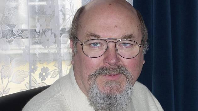 Jaroslav Maxmilián Kašparů má vlastní psychiatrickou a pedopsychiatrickou ordinaci v Pelhřimově a centrum pastorální medicíny a forenzní psychiatrie.