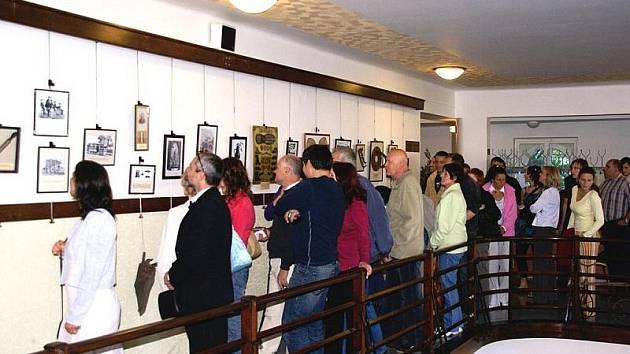 Výstavu o nedoceněném českém géniovi si mohli nedávno prohlédnout i návštěvníci kina Jas v Tanvaldu.