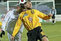 Kanonýr Faldyna (ve žlutém) přispěl k výhře svého týmu jedním gólem. O další dva se postaral nováček sestavy Martin Dupal.