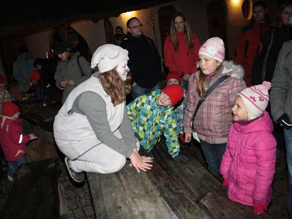 Jihlavskou zoologickou zahradou provázela Červená Karkulka
