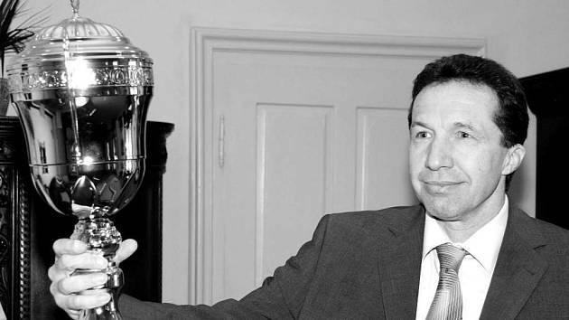 O pohár primátora Jihlavy Jaroslava Vymazala se utká osm týmů.
