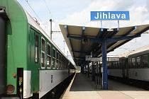 Stojící vlaky a žádní cestující. Tak to včera vypadalo na hlavním vlakovém nádraží v Jihlavě. Stávka totiž nepřinesla nic výjimečného.