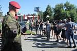 Vojáci přijeli v poslední červencový den dopoledne. Foto: Deník/