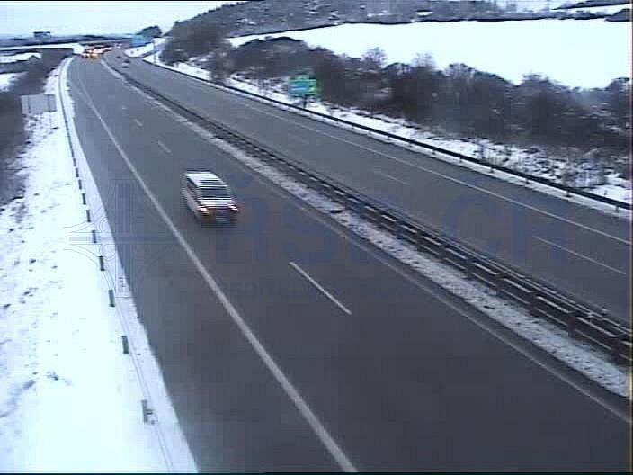 Dálnice D1 a některé silnice na Vysočině v úterý ráno.