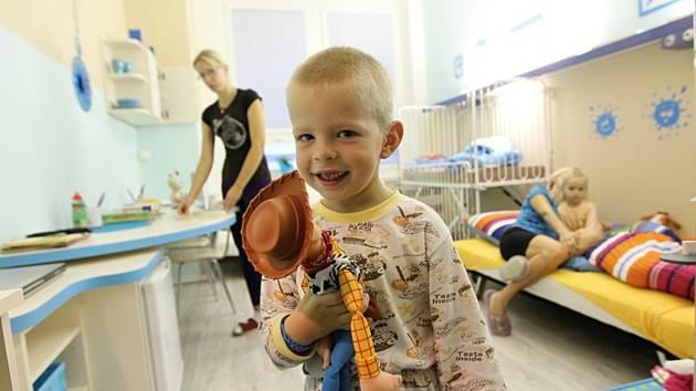 Za pět let se již díky štědrosti dárců podařilo opravit pět pokojů.