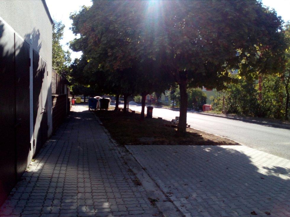 Takto to v současné době vypadá v Telečské ulici.