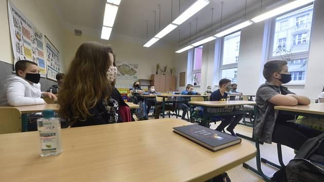 Tříd v karanténě na Vysočině přibývá, problémy mají i školy na Žďársku