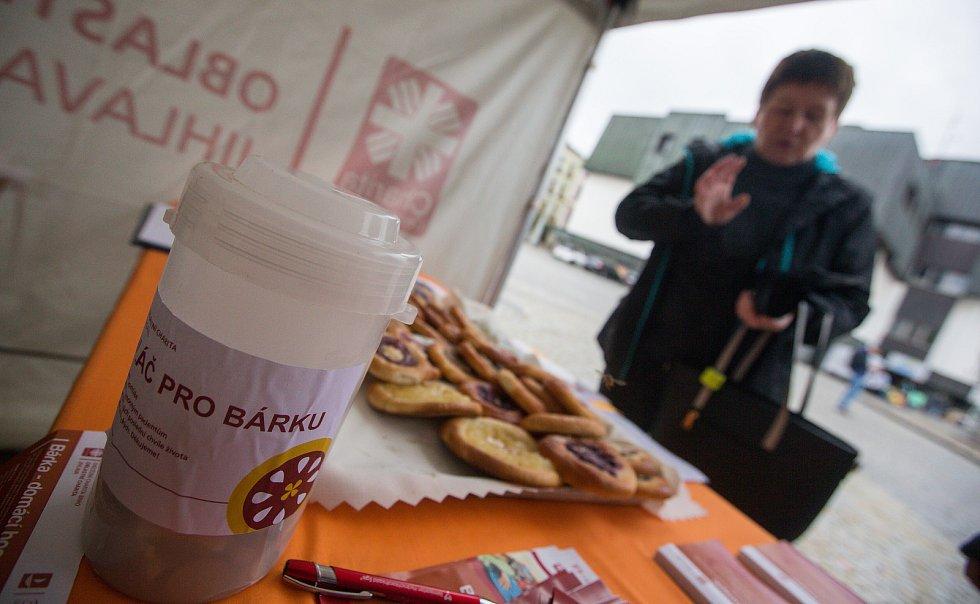 Charitativní prodej koláčů ve prospěch domácího hospicu Bárka.